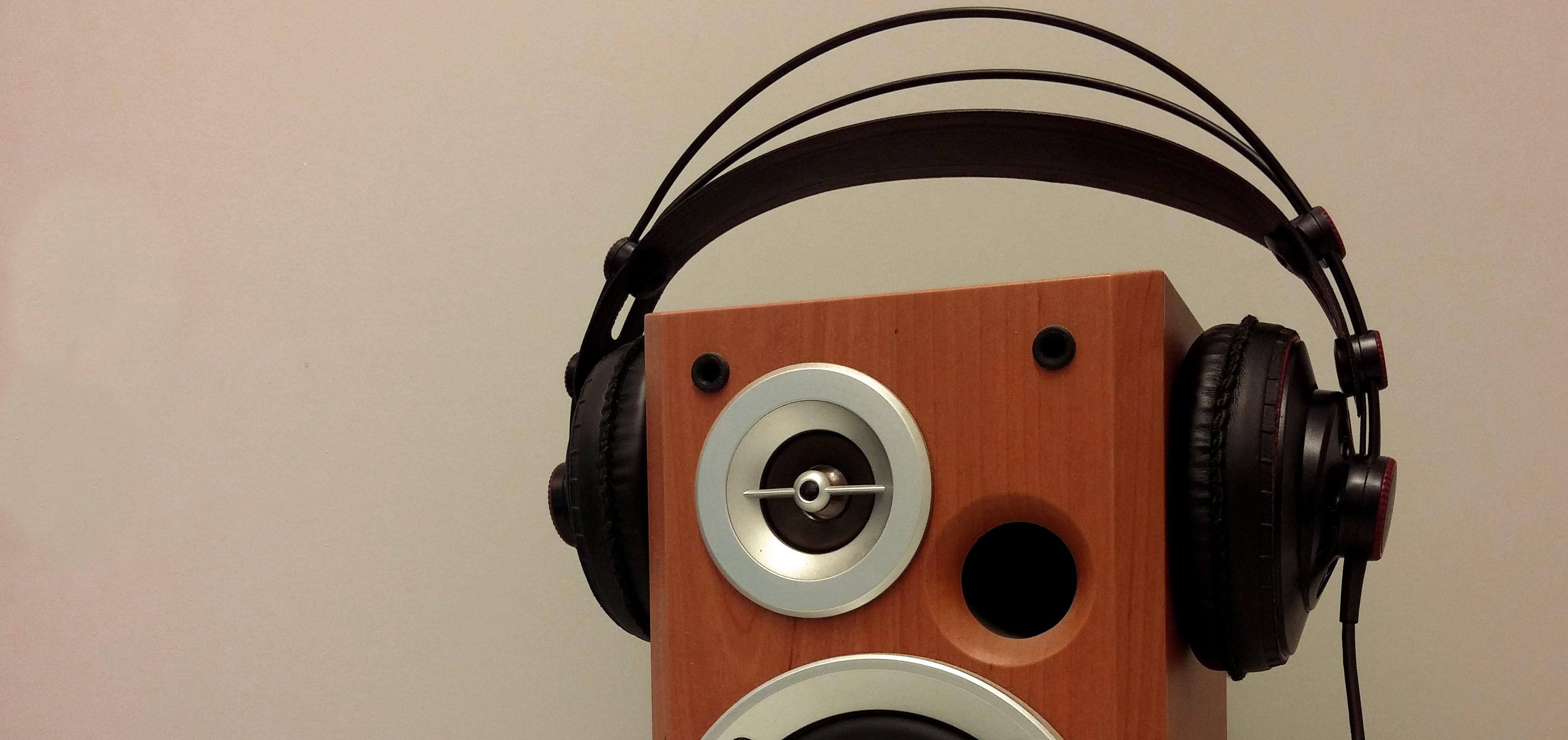 Lautsprecher mit Kopfhörer. Foto: SR